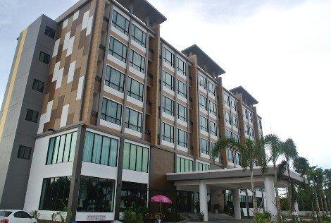 S Tara Grand Hotel in Surat Thani