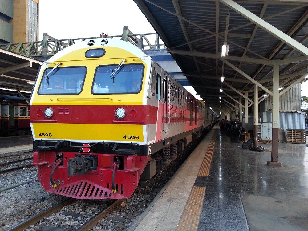 Train #9 to Chiang Mai