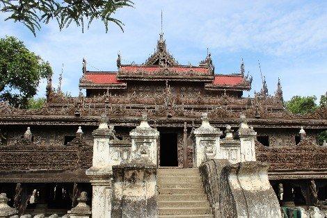 Shwenandaw Kyat Monastery in Mandalay