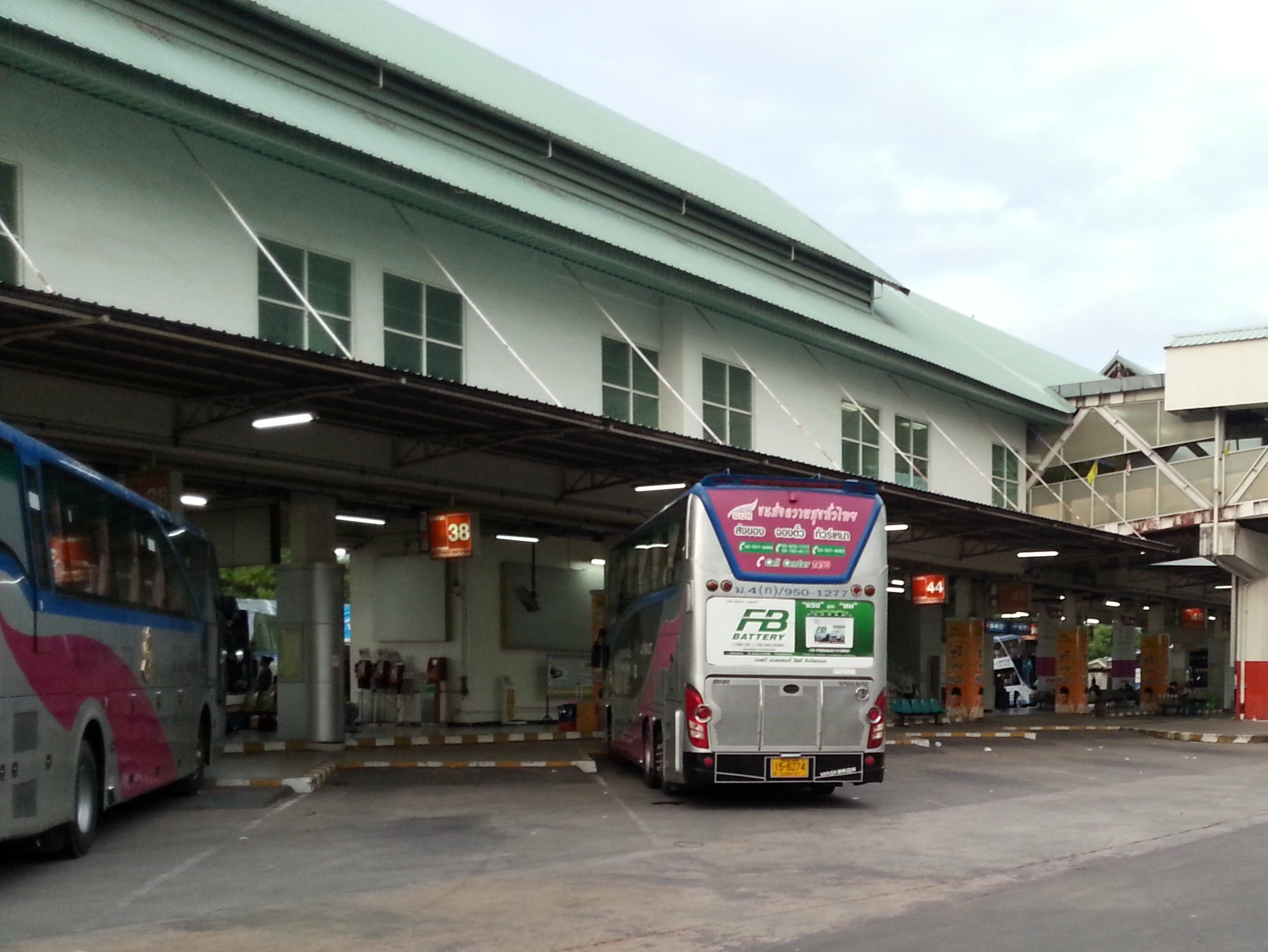 Bus services to Nakhon Si Thammarat depart from the Southern Bus Terminal