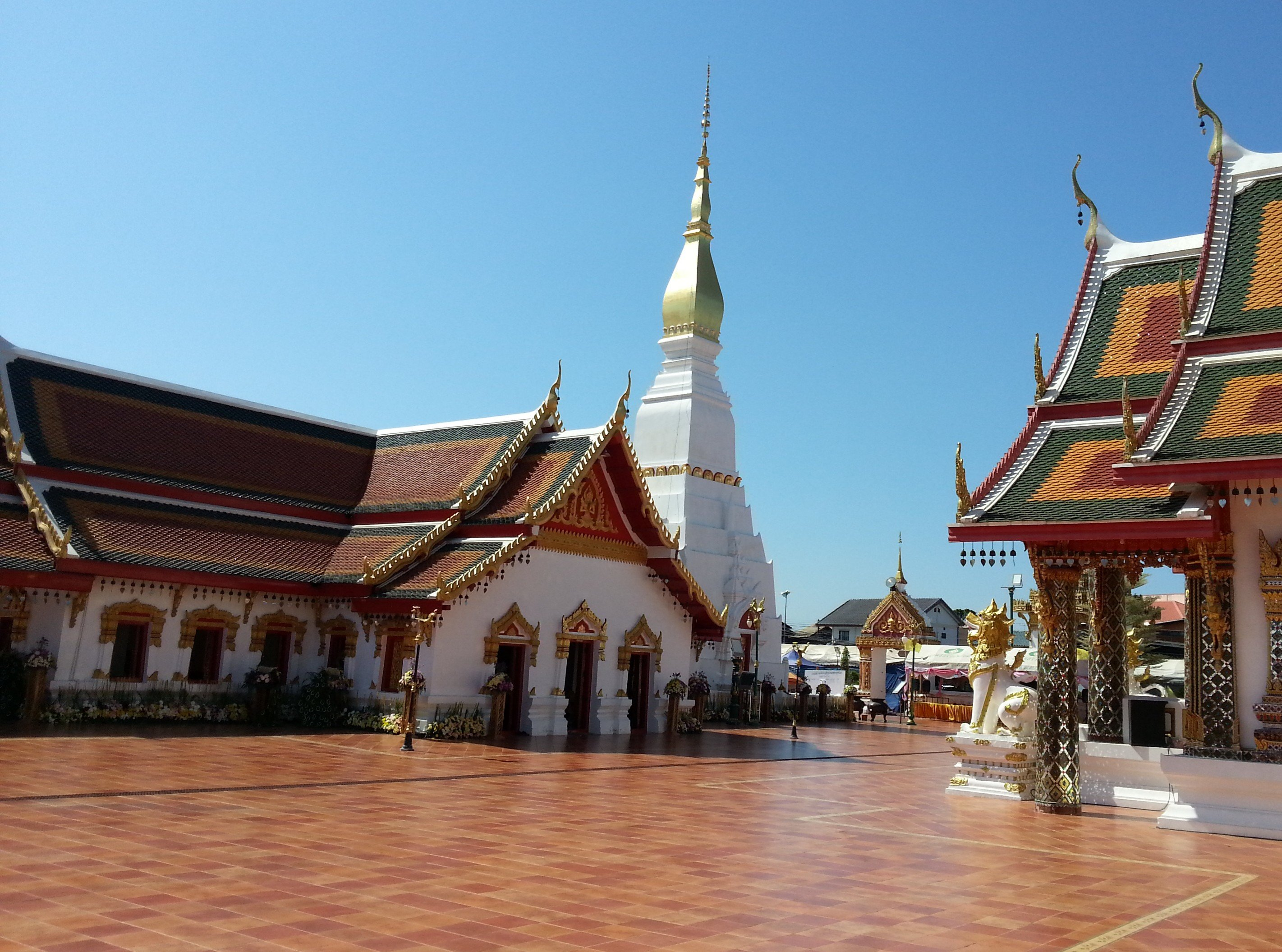 Wat Phra That Choeng Chum in Sakoh Nakhon