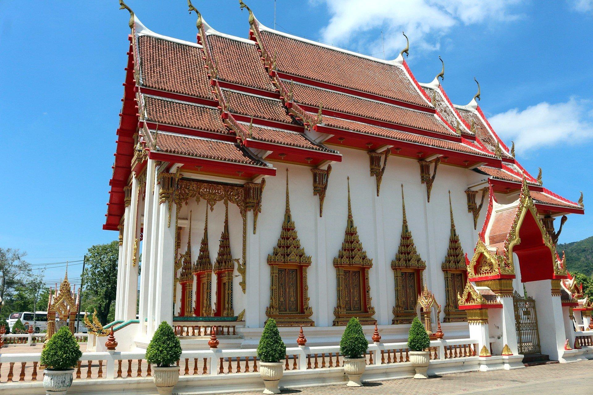 Wat Watchalong in Phuket