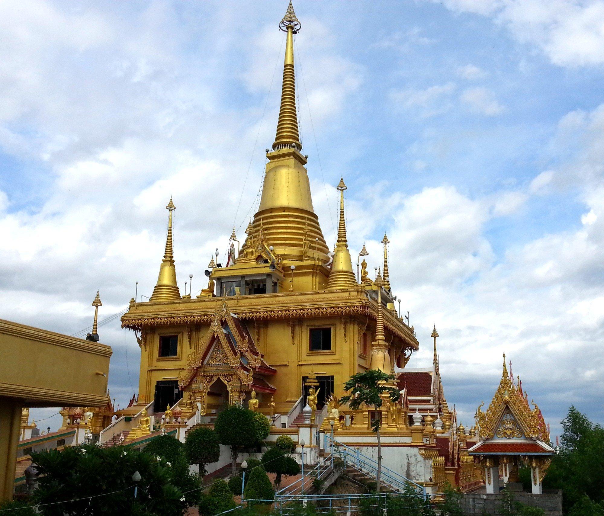 Wat Khiriwong in Nakhon Sawan